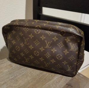 Authentic Louis Vuitton Large Trousse 28